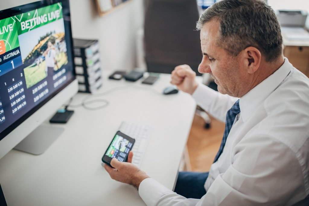 Computer sports betting, live betting