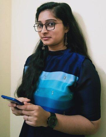 Nadhiya-Nadhi